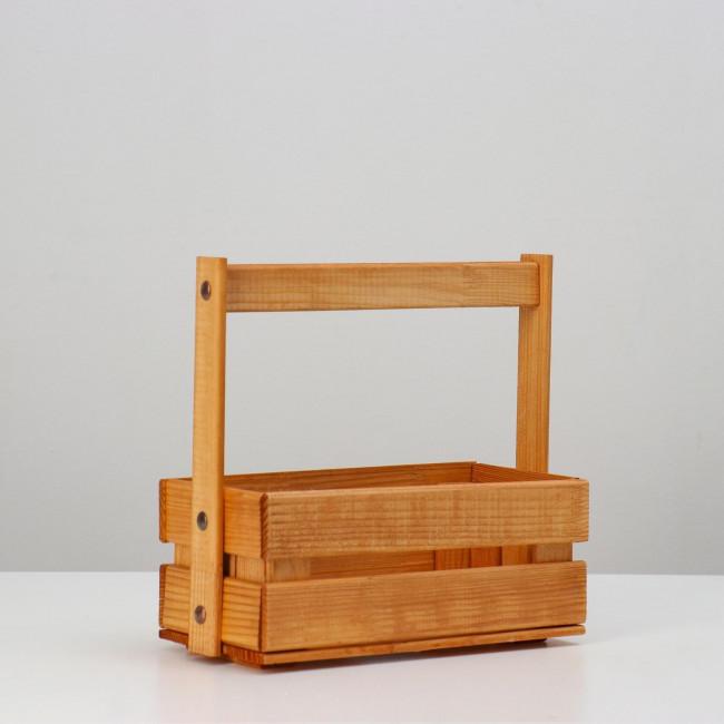 Кашпо деревянное с  клепкой среднее