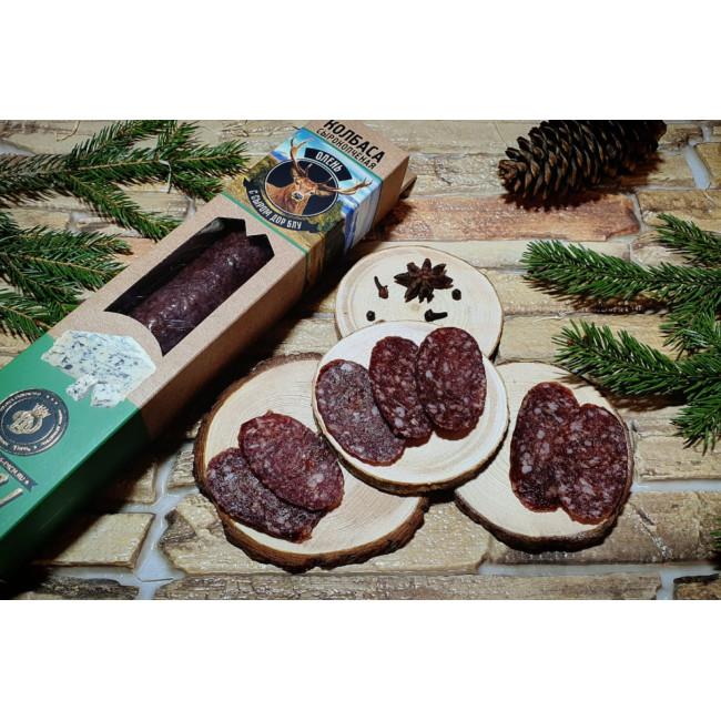 Колбаса Деликатес дичь из мяса Оленя с сыром дорблю в подарочной упаковке, 230 гр
